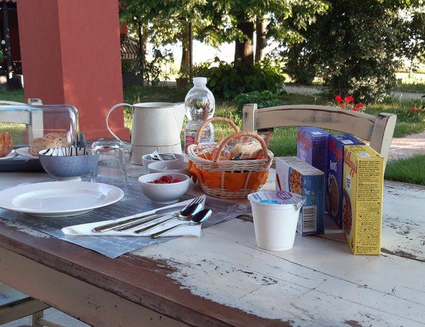 colazione_esterno_covid